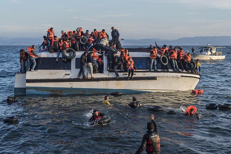 Власти Испании решили создать лагерь для размещения 7000 беженцев